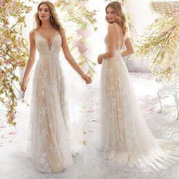 $enCountryForm.capitalKeyWord Australia - 2019 New Women Sexy Sleeveless White Wedding Dress Lace Appliques V Neck Stunning Ruched Floor Length Modest Bridal Gowns Long Dress