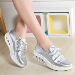 Достаточно Сток Женская Фитнес-Обувь Синий Белый Серебристый Хаки Cowskin Натуральная Кожа Верхняя Высота Увеличение Обувь для Женщин