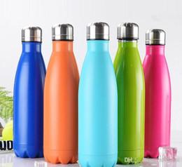 Venta al por mayor de Botella de agua en forma de cola de 12 colores Botella de agua de viaje con aislamiento al vacío Forma de coque de acero inoxidable de doble pared Botella de agua para exterior