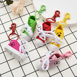 $enCountryForm.capitalKeyWord NZ - Mini PVC Keychains Rings Cute 3D Shoes Sneaker Key Chains for Lovers Couples Fashion Bag Charms Jewelry Accessories Car Keyring Holder Cheap