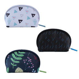 cosmetic bags hearts wholesale Australia - Cosmetic Bag Polyester Semicircle Zipper Waterproof Portable Geometric Print Korean Version High Capacity Partition Teenage Heart