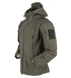 $enCountryForm.capitalKeyWord Australia - Winter Soft Shell Tactical Jacket Men Shark Skin Waterproof Fleece Coat Army Camouflage Windbreaker Jacket Hunt Clothes