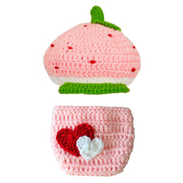 diapers summer UK - Adorable Newborn Strawberry Outfit,Handmade Crochet Baby Boy Girl Strawberry Hat and Diaper Cover Set,Infant Fruit Photo Prop