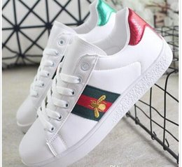 small size shoes for women Australia - New spring Men embroidery Small bee Small White Shoes For Men and Women Casual Walking Shoes Size 36-44 07