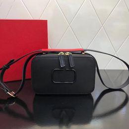 Camera Shoulder Strap Australia - 2019 explosion shoulder bag, the latest camera bag, color matching shoulder strap, cross grain leather, fashion wild, 123