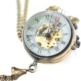 $enCountryForm.capitalKeyWord NZ - Hot Sale Vintage Transparent Skeleton Glass Ball Shape Hand Winding Mechanical Pocket Watch Fob Cool Chain Pendant