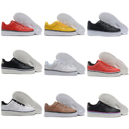 sneakers uomo NZ - Wholesale Men Women One 1 Dunk White Black Red Running Shoes sports Skateboarding Ones Shoes Low Cut Scarpe Uomo Trainers Sneakers