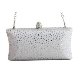 shoulders knots Australia - New dinner clutch bag high-grade diamond handbags European and American style one-shoulder banquet bag bride knot wedding packag