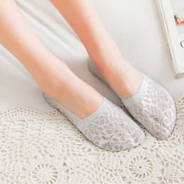 7e4782809f4bf 6 Pairs Women Ankle Socks Spring Summer Boat Socks Invisible Non-slip Low  Cut Lace Flower Short Sock Breathable Sock Slippers