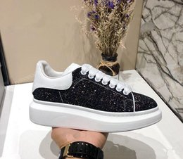 $enCountryForm.capitalKeyWord Australia - New Designer Comfort Diamond crystal Sneakers Casual Leather Shoes Men Womens Sneakers Extremely Durable Stability size 35-45 with box M8