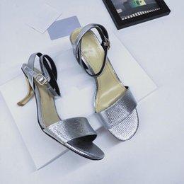 $enCountryForm.capitalKeyWord Australia - 2019 Summer designer sandals fashion brands women casual leather sandals loafers women flip flops sandals 35-40 ks73003