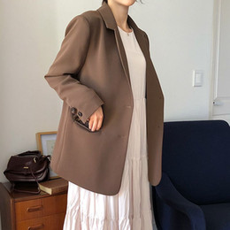 ladies office jackets Australia - [EWQ] 2020 Summer New Minimalist Long Sleeve Notched Neck Light Brown Ladies Office Coat Loose Casual Suits Outwear Women Jacket