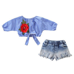 $enCountryForm.capitalKeyWord UK - New Europe Baby Girls 2pcs Set Kids Flower Embroidery Bowknot Stripe Crop Tops Blouse + Jeans Shorts Children Girl Outfits 14704