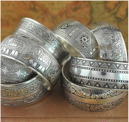 vintage silver wide bracelets NZ - Wide Tibetan Silver Bangles Cuff Bracelets for Women Bohemian Vintage Carved Flower Hand Jewelry Discounted Mix