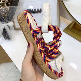 Zapatillas de marca de mujer de cuero genuino Mules Mulas planas zapatos Cadena de metal Zapatos casuales Mocasines Moda Zapatillas de verano Señoras Verano en venta