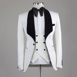 white suit wedding black groom NZ - White Groom Tuxedos Mens wedding Suits Black Velvet Shawl Lapel Man Blazer Best Man Outfit 3Piece Slim Fit Terno Masculino Evening Party