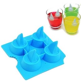 shark mold UK - Drink Ice Tray Cool Shark Fin Shape Ice Cube Freeze Mold Ice Maker Moulds 13.2*8.2*3.8cm Blue And Gray Forma De Gelo Silicone