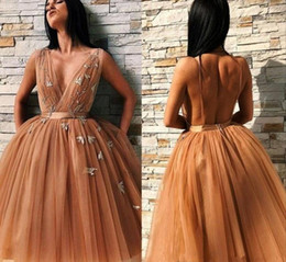 $enCountryForm.capitalKeyWord Australia - 2019 Short Mini Champagne Gold Homecoming Dresses Deep V Neck Sleeveless A Line Tulle Ruffles Open Back Plus Size Party Cocktail Gowns