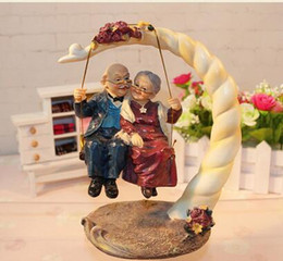 $enCountryForm.capitalKeyWord Australia - very auspicious at home Creative Resin Swing Old Man Old Lady Ornaments Desktop Crafts Cartoon Old Parents Figurine Home Decor Accessories