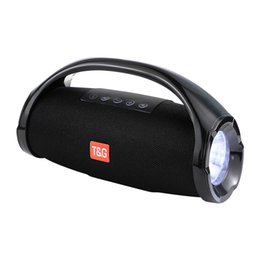 Wholesale 10W small wars bluetooth speaker outdoor Portable IPX7 Waterproof stereo D speaker LED light flashlight lighting Subwoofer
