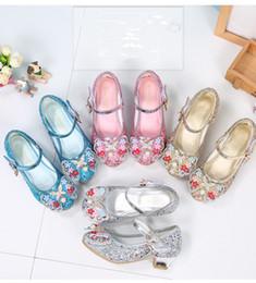 438f674b 4 colores niñas lentejuelas bailando tacones altos zapatos de cristal  princesa 3-12T niños acrílico perla rhinestone decoración de la mariposa  zapatos de ...