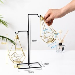 simple candle holders UK - Golden Metal Candle Holders 6 Styles Modern Simple Candles for Bedroom Holiday Living Room Restaurant Washingroom Candle Stand