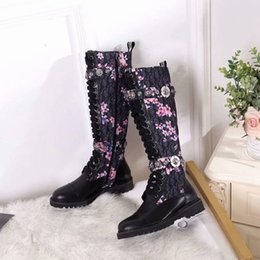 women s rubber boots Canada - Classic Women s Autumn and Winter New long Boots fashion Round head flat bottom long boots 111701