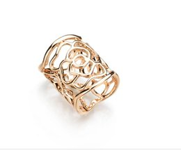 $enCountryForm.capitalKeyWord UK - Real Shooting New Arrival Vintage Brooch Gold Color Scarf Clip Hollow Rose Flower Brooches For Women Gift b48