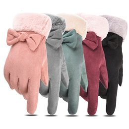 women winter mittens Australia - New Winter Female Bow Warm Cashmere Three Ribs Cute Bear Mittens Double Thick Plush Wrist Women Touch Screen Driving Gloves SH190921