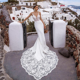 cowls robe UK - Sexy Mermaid Wedding Dresses With Sweep Train Summer Lace Boho Wedding Dress 2020 Slim Spaghetti Straps Beach Bridal Gowns robes de mariée