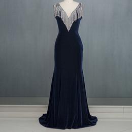 $enCountryForm.capitalKeyWord Australia - Luxurious Royal Blue Formal Evening Dress Deep V-neck Velour Fabric Diamond Gems Crystal Tassel Shoulder Awards Ceremony Dresses Party Dress