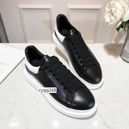 girls hot pink dress shoes Canada - HOT SALE Designer Shoes Party Dress Girls Ladys Women Shoes White black Velvet Reflective Leather Mens Casual Sneakers