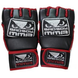 Wholesale hxlsportstore Kick Boxing Gloves MMA Gloves Muay Thai Training Gloves MMA Boxer Fight Boxing Equipment Half Mitts Badboy PU Leather Black