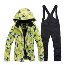 Boys And Girls Cold Proof And Warm Clothing Thickening Winter Childrens Ski Suit Ski Suit And Trousers.