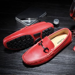 Мужчины Красный Мокасины Марка Итальянская Мода Роскошный Дизайнер Повседневная Обувь Slip Ons Кроссовки Мужская Обувь для Вождения Дизайнерские Мокасины Для Мужчин Квартиры Красный на Распродаже