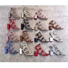 Large size high heeL sandaLs online shopping - 2019 High Quality Fashion Luxury Designer Shoes Vlt Rivets Genuine Leather Sandals Women Casual Brand Shoes Large Size