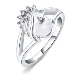 Chic Rings Australia - Classic Chic Sliver Oval White Opal Rings Women Vintage Crystal Wedding Band Ring Jewelry Valentine's Gift Fashion Accessories