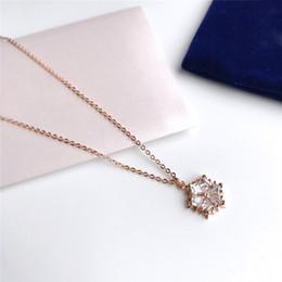 Cristales forman Swarovski Snow colgante collar cadena de clavícula Campus viento Nueva Navidad MAGIC collar ropa ornamento selección para dama