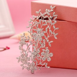 $enCountryForm.capitalKeyWord Australia - hair accessories bridal Rhinestone Flower Wedding Hair Accessories Bridal Comb Handmade Clip Silver Headpiece Veil Tiara