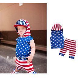 $enCountryForm.capitalKeyWord Australia - New 4th of July Designer Toddler Baby Boys Sleeveless Hoodies Suits Stars Printing Strips Shorts 2pieces Set Child Girls Outfits for 0-3T