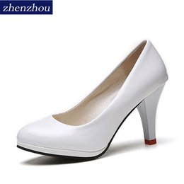 Fashion Trends Lace Dress Australia - Dress Shoes Zhen Zhou 2019 Spring And Autumn Women's New Fashion Trend Leadership Round Head Heels For Women's Exemption From Postage