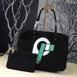 $enCountryForm.capitalKeyWord Canada - Designer handbags ladies handbags shopping bags luxury brands graffiti printed handbags 2019 new fashion green bags silk screen design