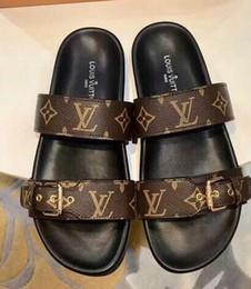 Design aDhesives online shopping - zxlvvn354 new men women Design Rubber slide sandal Floral brocade men slipper Flip Flops women striped Beach causal slipper