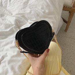 $enCountryForm.capitalKeyWord NZ - Crocodile Pattern Heart Shape Small Girls Purse Luxury Handbags Women Bags Designer Ladies Chain Clutch Shoulder Crossbody Bags