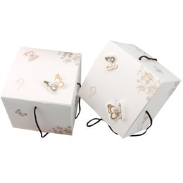 Gift packinG butterfly online shopping - 10pcs pack Lovely Butterfly Mooncake Cake Candy Handline Gift Box Candy Box Bag Mid Autumn Festival Packaging Dumpling boxes