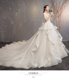 pictures colorful feathered wedding dresses Canada - the new bride a word shoulder princess dream long trailing Hepburn theme sky trill with dress