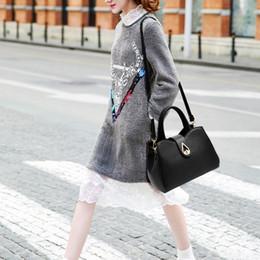 Top Ladies Handbags Australia - Wenyujh 2019 Fashion Tassel Women Message Bags Handbag Pu Leather Totes Bags Women Shopper Shoulder Bag Ladies Top-handle Bags