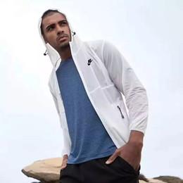 $enCountryForm.capitalKeyWord Australia - Designer T-Shirt for Men Branded Tshirts with Branded Letters Fashion Brand Tops Breathable Tees Mens Clothing Skin Coat