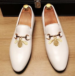 $enCountryForm.capitalKeyWord Australia - Embroidery bees Genuine leather shoes oxfords business dress shoe for men black white Groom shoes wedding party shoes