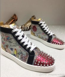 red hot roller UK - 2019 new Arrival Flat Sneakers Hot Bottom Men women Red Shoes Multi Glitter spikes Strass Crystal flat shoes low top Roller Boat